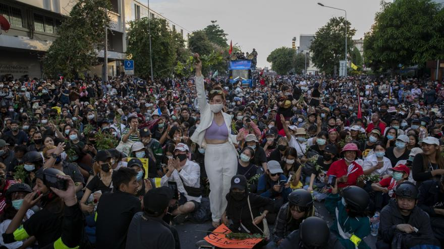 Video Zprávy ve 12: Protesty v Thajsku