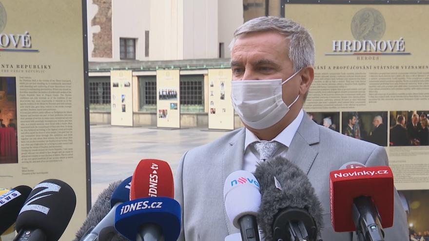 Video  Brífink vedoucího Kanceláře prezidenta republiky Vratislava Mynáře
