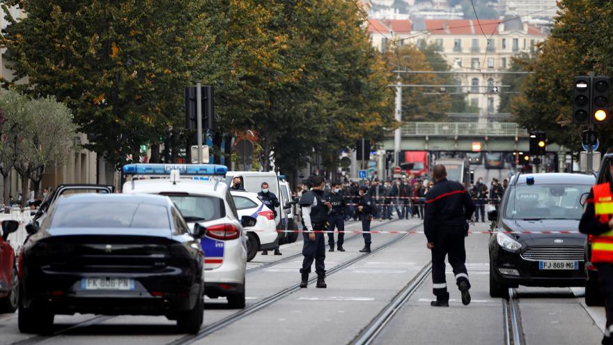 Video Studio ČT24: Jan Šmíd a David Borek k útokům v Nice