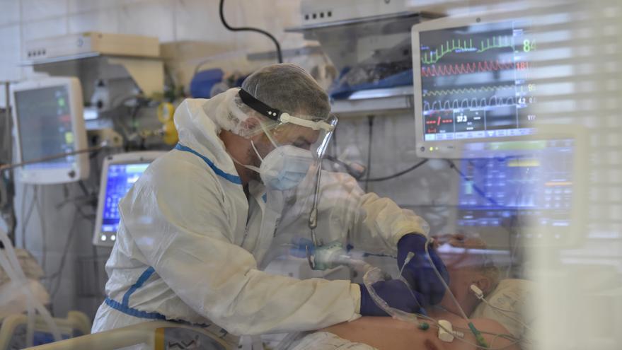 Video Události: Nemocnicím dochází volná lůžka