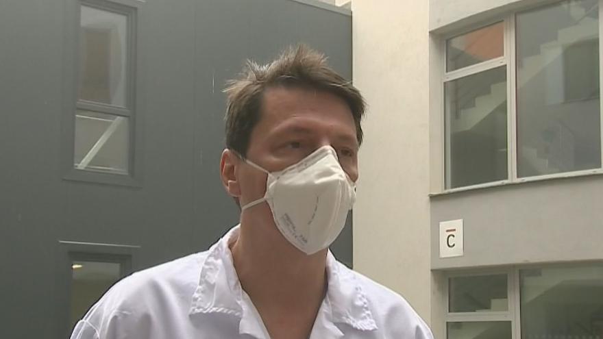 Video Primář uherskohradišťské nemocnice Lubor Hruška o převozu pacientů