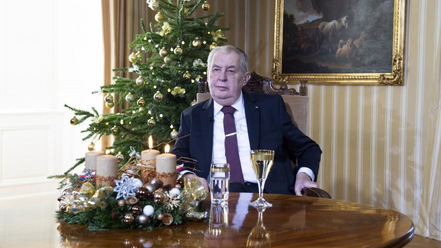 Video Mimořádné pořady ČT24 - Vánoční poselství prezidenta republiky Miloše Zemana
