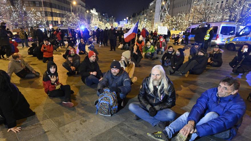 Video V Česku se protestovalo proti vládním opatřením