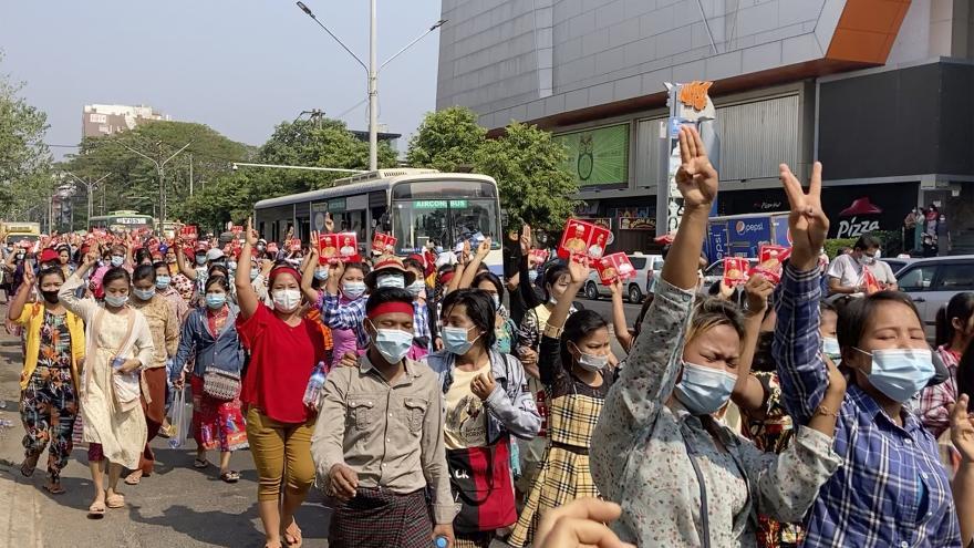 Video Události: Myanmar zažil největší protest od pondělního vojenského převratu