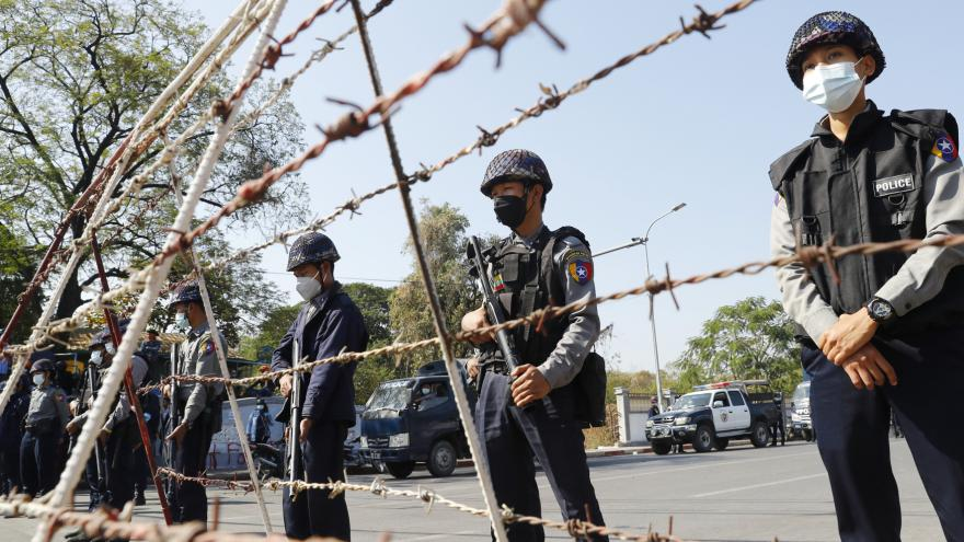 Video Horizont ČT24: Myanmarská armáda se drží u moci
