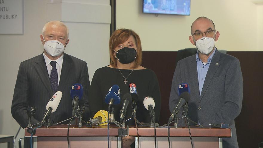 Video Sněmovna odmítla prodloužení nouzového stavu