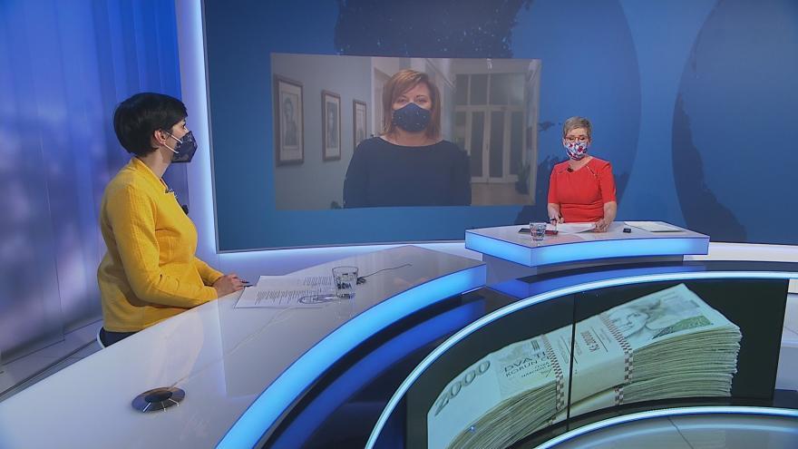 Video UK: Je nouzový stav v rozporu s ústavou?