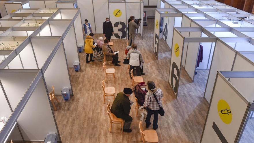 Video Události v regionech: Na Vysočině otevřelo první očkovací centrum