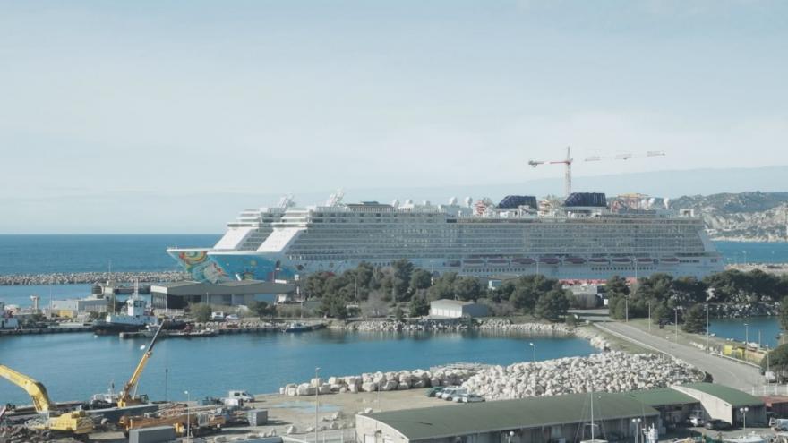 Video Velké výletní lodě nefungují, turisté nepřicházejí. Obyvatelé Marseille si tak pochvalují ticho a klid