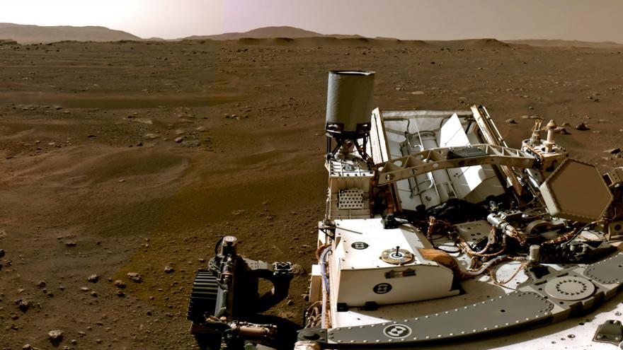 Video NASA zveřejnila záběry zachycující dosednutí vozítka Perseverance na povrch Marsu