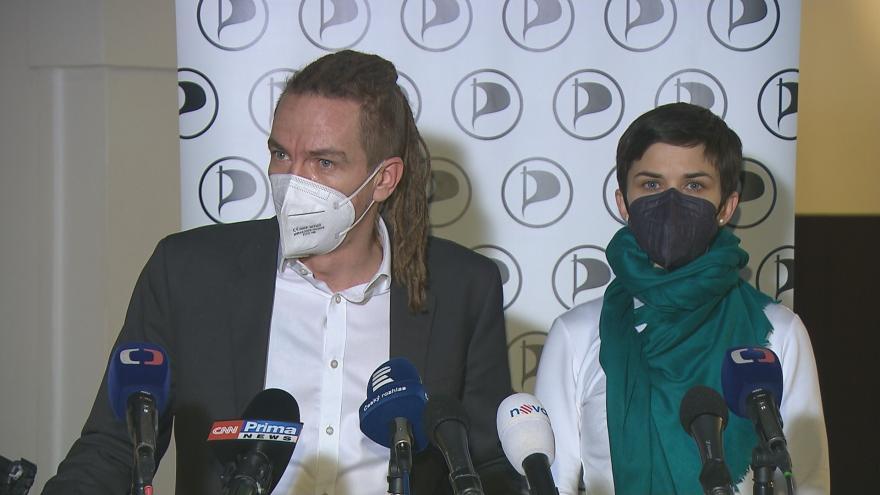Video Brífink opozičních lídrů po jednání s premiérem o postupu proti koronaviru