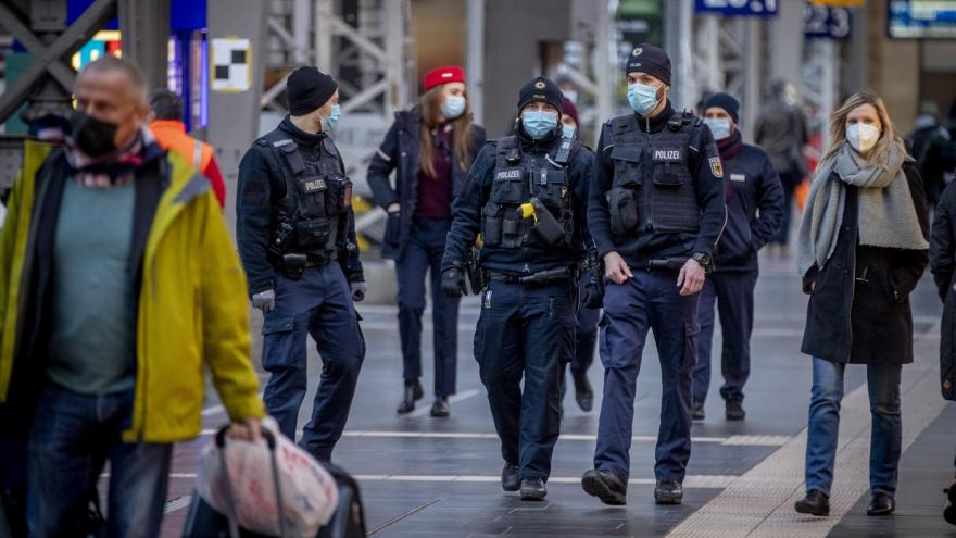 Video Studio ČT24: Zpravodaj Martin Jonáš o koronavirové situaci v Německu