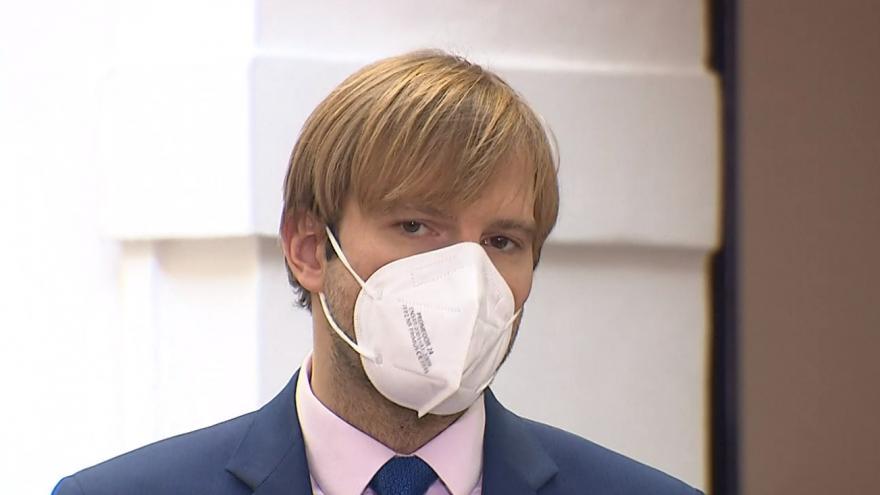 Video Poslanci Vojtěch a Nacher navrhují výdej předpisových léků i poštou