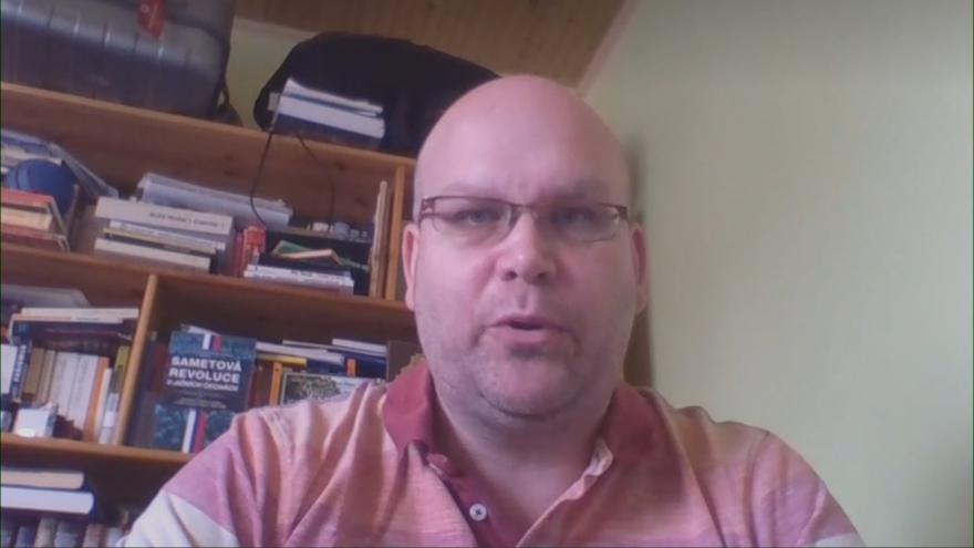 Video Politolog Lukáš Valeš