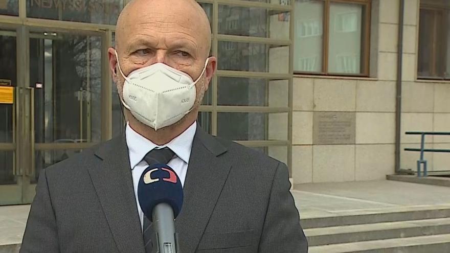 Video Předseda nejvyššího soudu Angyalossy a nejvyšší státní zástupce Zeman k trestům za krádeže v nouzovém stavu