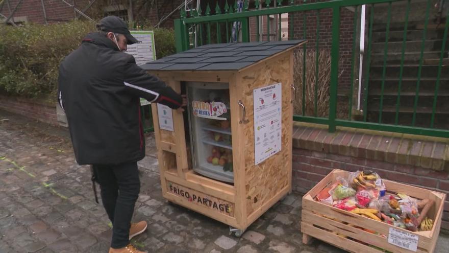 Video Společné ledničky ve Francii
