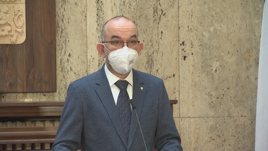 Video Tisková konference bývalého ministra zdravotnictví Blatného