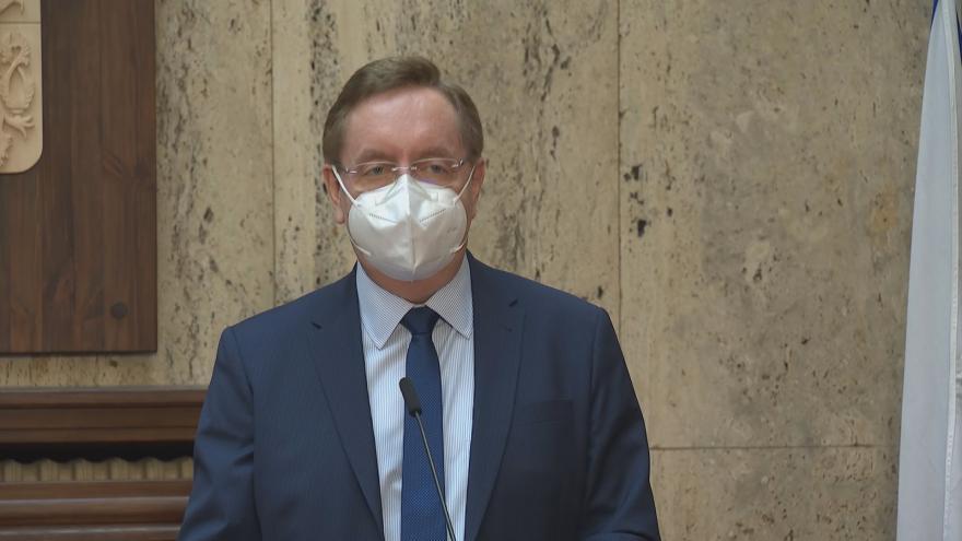 Video Arenberger jmenován novým ministrem zdravotnictví