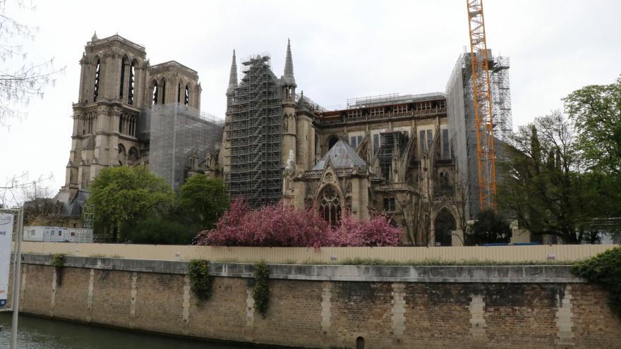 Video Studio 6: Jan Šmíd ohledně rekonstrukce chrámu Notre-Dame