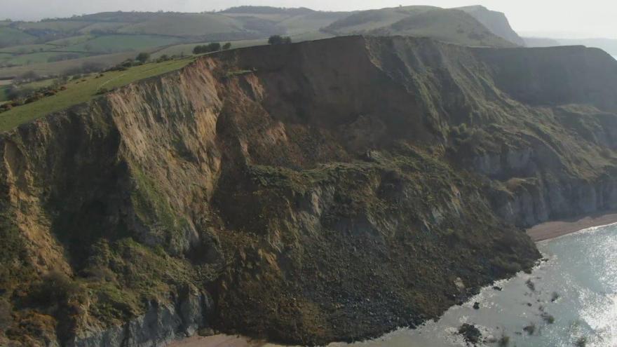Video Část útesů v Británii, které patří do světového dědictví, se zhroutila