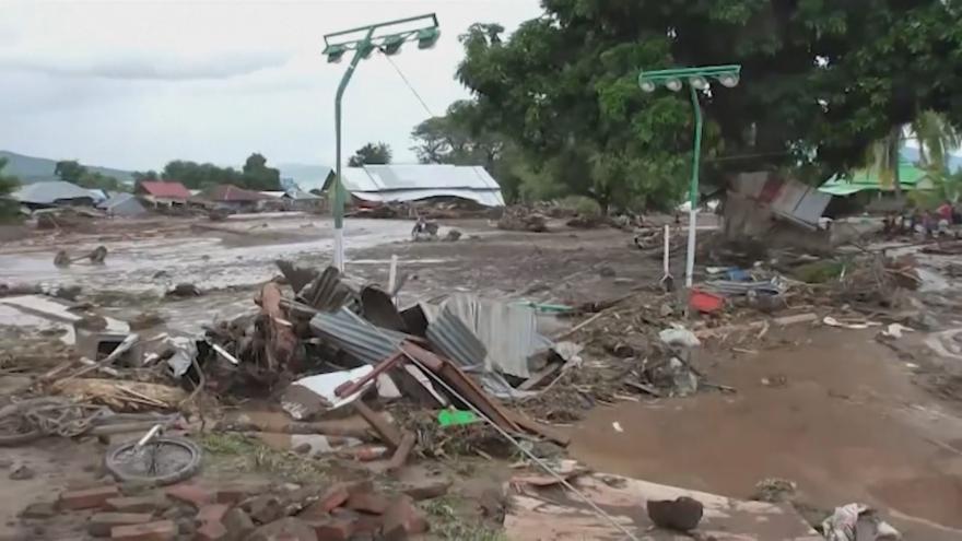 Video V Indonésii pokračuje pátrání po pohřešovaných. Ti se ztratili během nedávných záplav