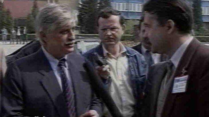 Video Ministr zahraničí Jiří Dienstbier navštívil na Slovensku strojírenské podniky