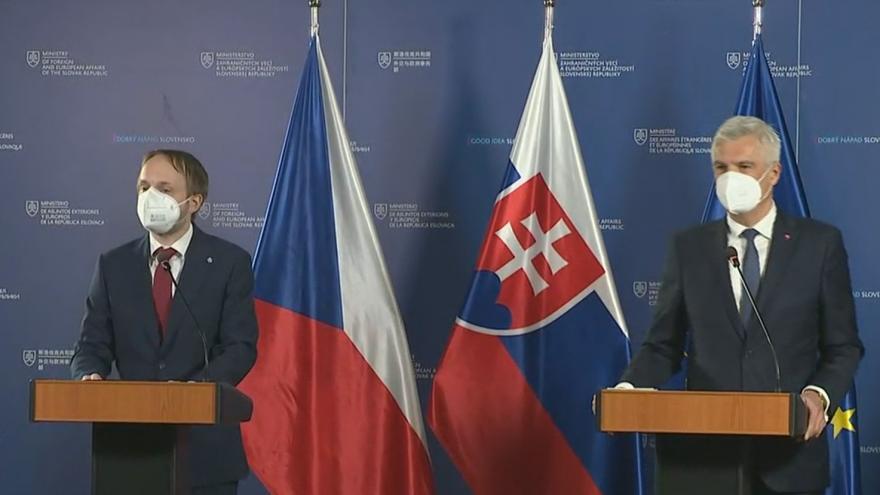 Video Brífink ministrů zahraničí Česka a Slovenska