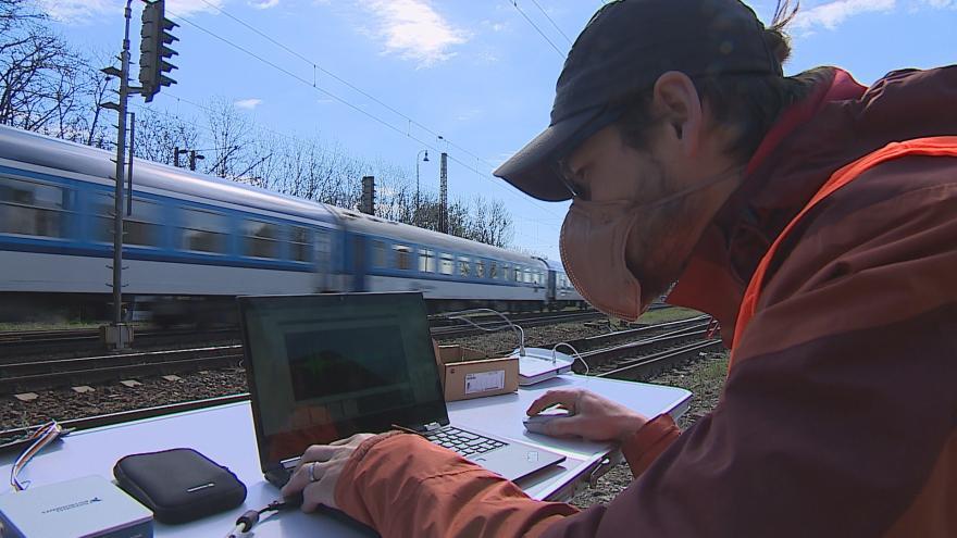 Video Umělá inteligence předpovídá nebezpečí na železnici. Nové senzory testují inženýři z VUT v Brně