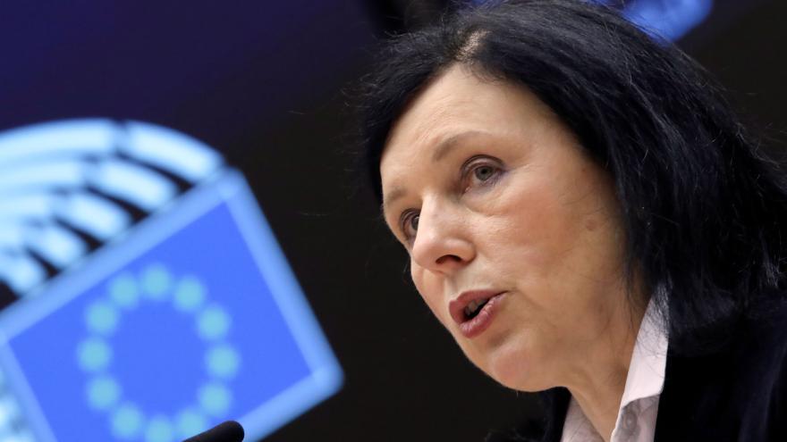 Video ČT24: Eurokomisařka Věra Jourová k zákazu vstupu na území Ruska