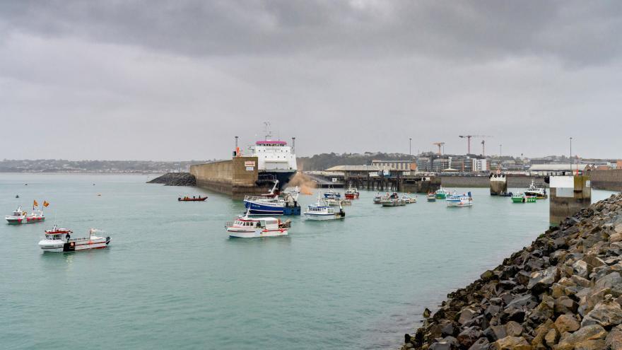 Video Události: Francouzští rybáři čekají na licence