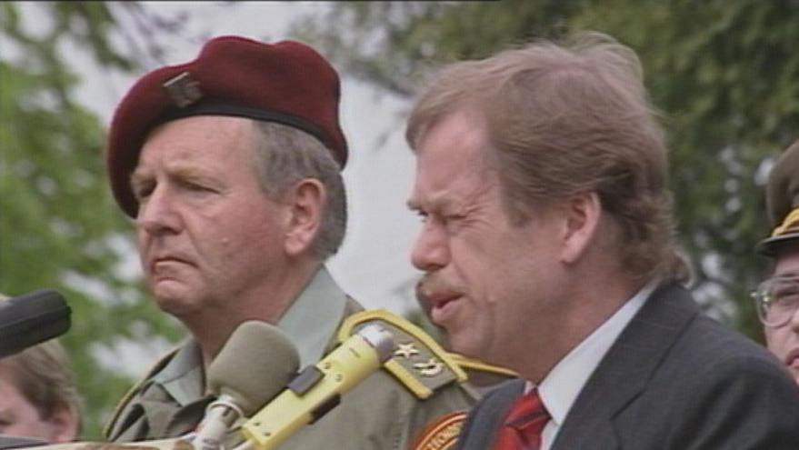 Video Prezident navštívil protichemickou jednotku