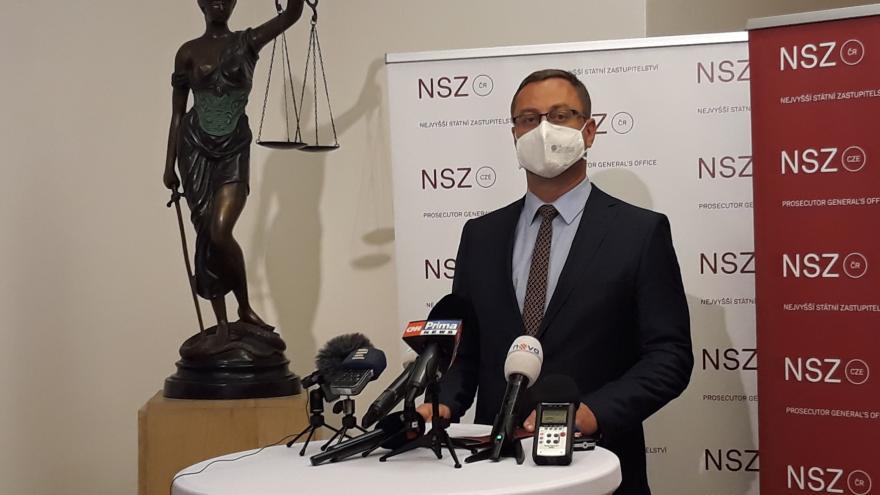 Video Brífink končícího nejvyššího státního zástupce Pavla Zemana