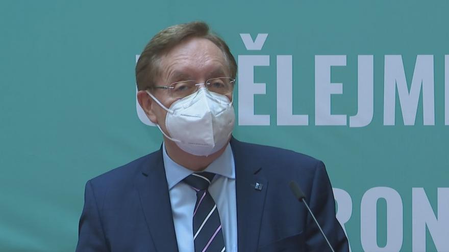 Video Brífink končícího ministra zdravotnictví Petra Arenbergera (za ANO)