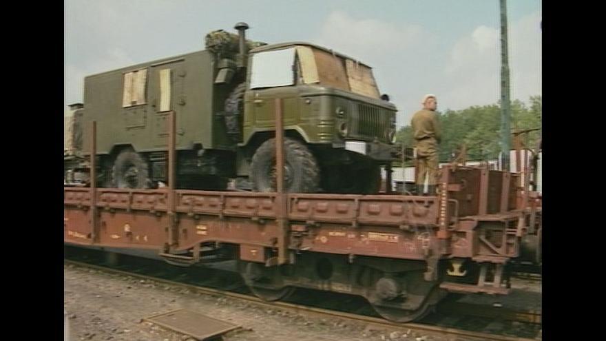 Video Poslední vlak sovětské vojenské techniky opustil Československo