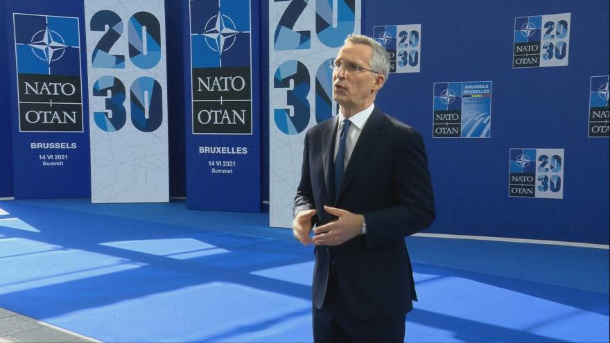 Video Projev generálního tajemníka NATO Stoltenberga k začátku summitu aliance