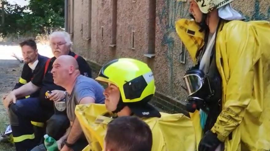 Video V Plzni unikly z čistírny vod nebezpečné látky, čtyři lidé byli resuscitováni