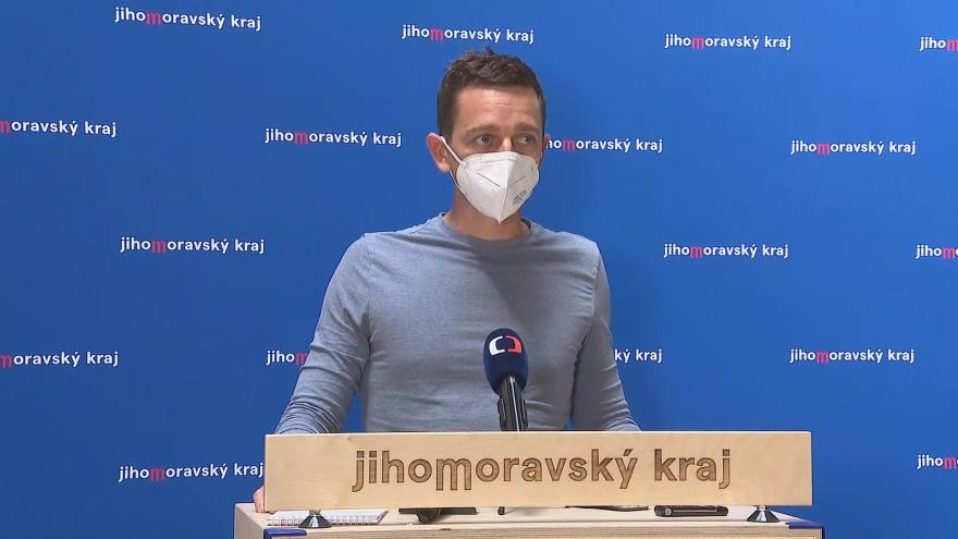 Video Brífink hejtmana Jana Grolicha k tragédii v Jihomoravském kraji