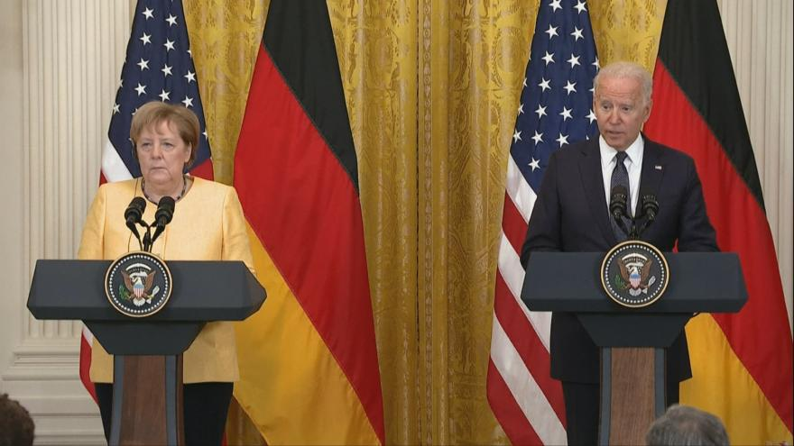 Video Brífink německé kancléřky Merkelové s americkým prezidentem Bidenem