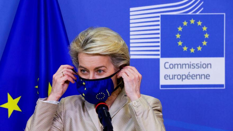 Video Vyjádření předsedkyně Evropské komise Ursuly von der Leyenové ke zprávám o sledování novinářů