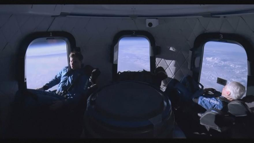 Video Posádka rakety New Shepard si užívá stav bez tíže