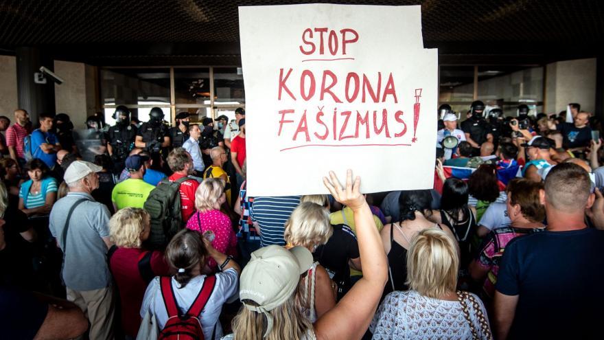 Video Kostolný k prostestům na Slovensku