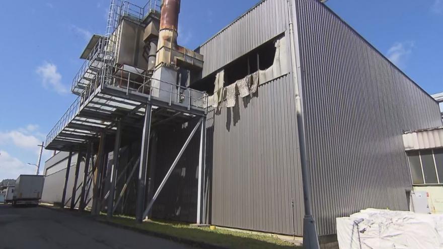 Video Studio ČT24 - V Břidličné hořela výrobní linka a střecha haly