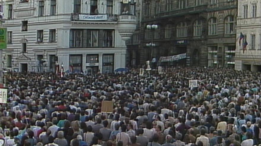Video Manifestace v Praze za demokracii v SSSR