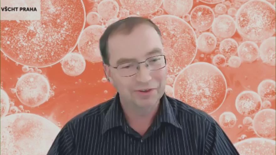 Video Vědec Pavel Šimíček o konci olovnatého benzínu