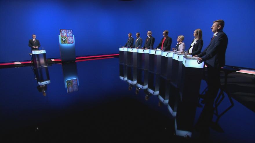 Video Lídři z Libereckého kraje o dávkách, bydlení a daních v předvolební debatě ČT24