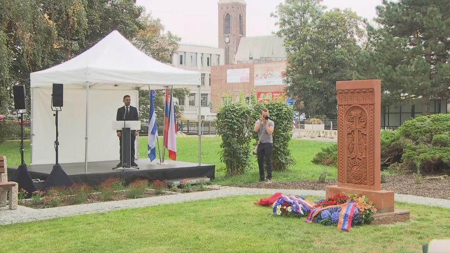 Video Kardinál Duka v Kralupech požehnal kříži věnovanému obětem arménské genocidy