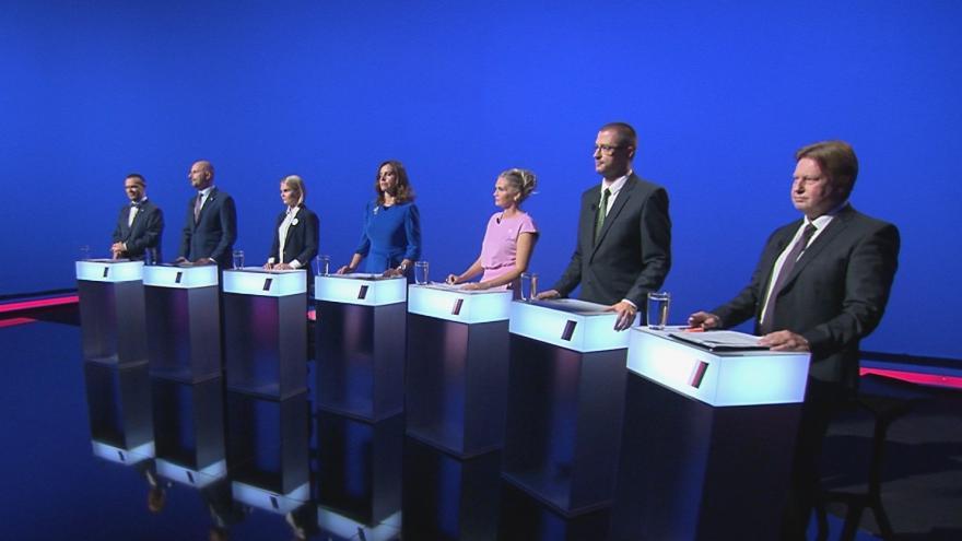 Video Lídři Plzeňského kraje o navýšení platů pro státní zaměstnance v předvolební debatě ČT24
