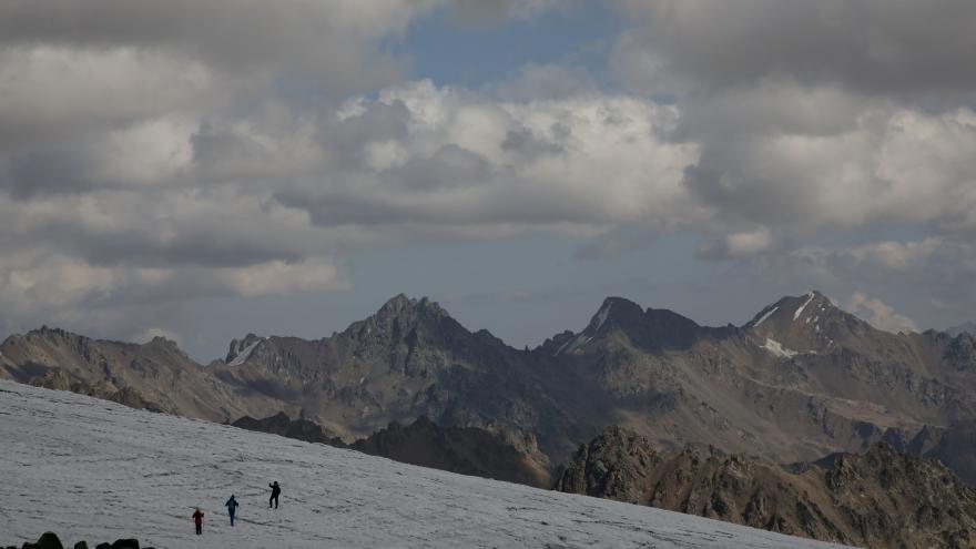 Video Události: Pět horolezců zemřelo při výstupu na Elbrus