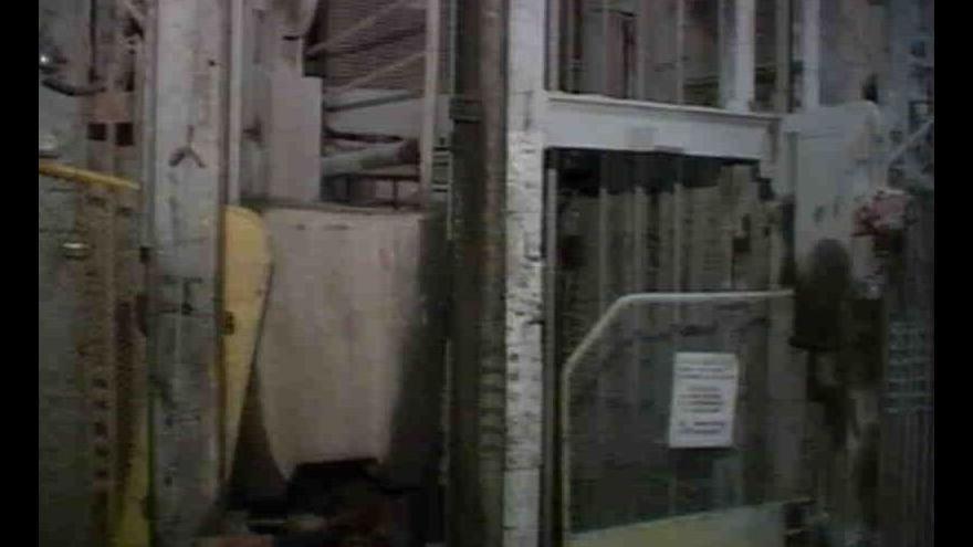 Video Poslední vůz s vytěženou uranovou rudou v Příbrami