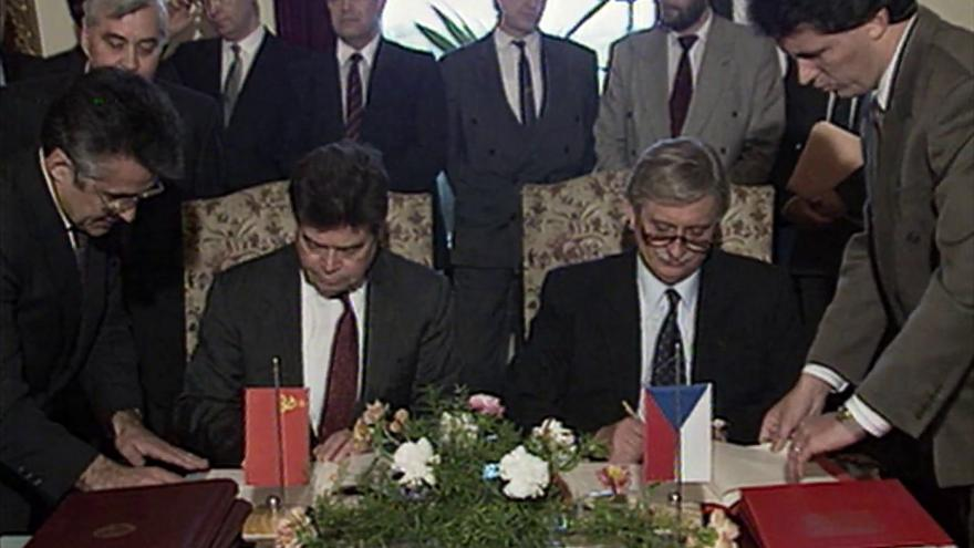 Video Ministr zahraničí SSSR odsoudil invazi vojsk Varšavské smlouvy do Československa